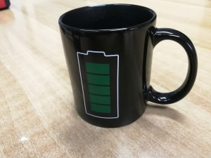 eMUG1: Έξυπνη κούπα για ζεστά ροφήματα με ένδειξη μπαταρίας