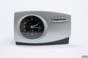 Αναλογικό ρολόι με ξυπνητήρι και θερμόμετρο