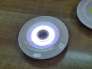 Αυτόνομα φώτα LED σε μορφή δίσκου